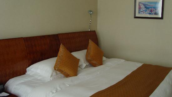 Blue Sky Hotel: SNV32317