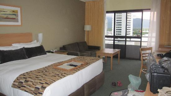 Rydges Plaza Cairns: 房间很大
