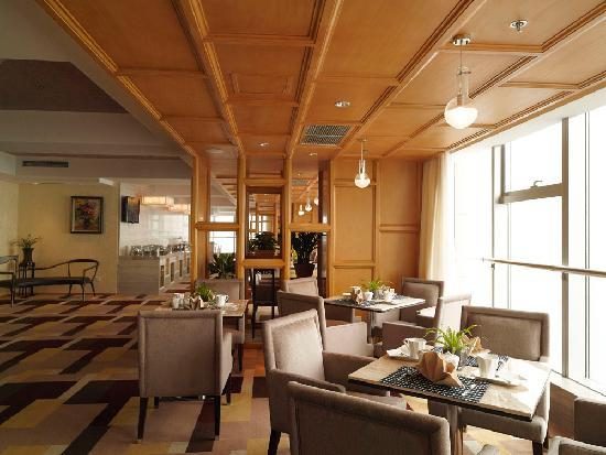 ฮอลิเดย์อินน์ ปักกิ่ง โฟกัส สแควร์: Executive Lounge