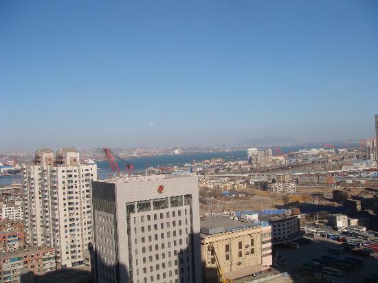 Dalian Sunjoy Hotel: 窗外海景