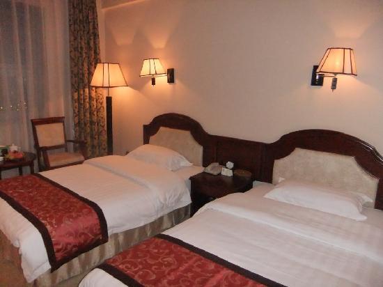 Tanggang Hotel: 房间内景