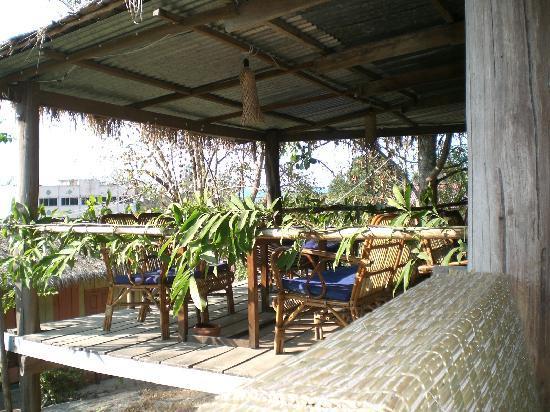Bungalow Village: CIMG1953