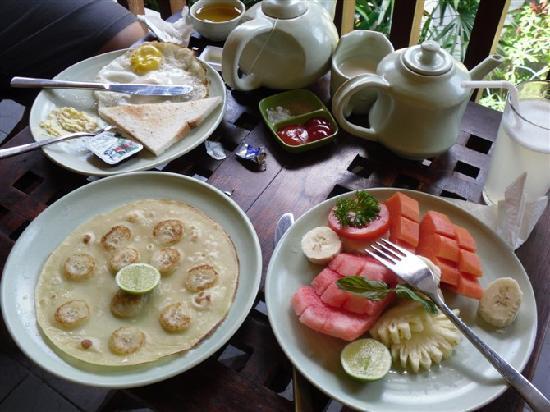 Green Field Hotel & Restaurant: 早餐