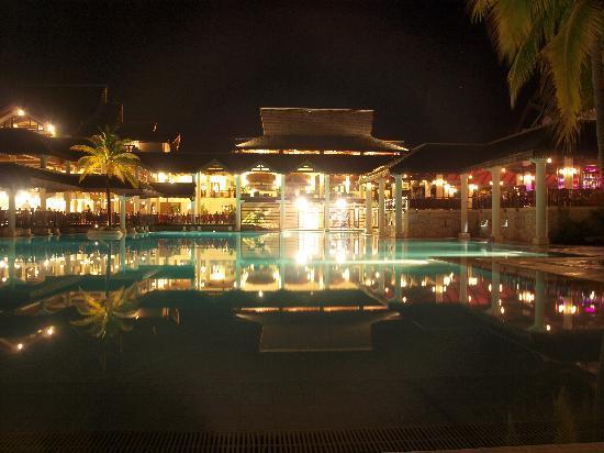 Sofitel Mauritius L'Imperial Resort & Spa: Sofitel无敌夜景