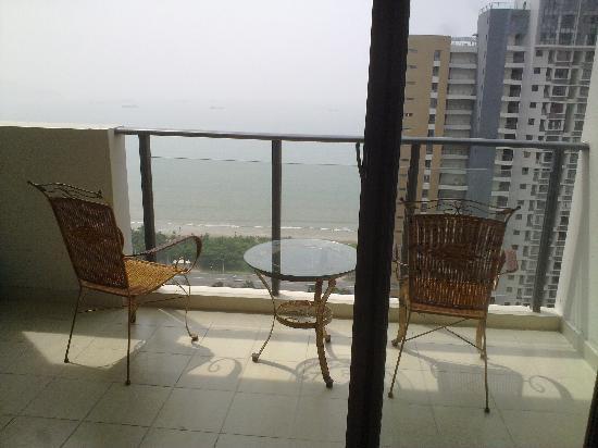 Xunyicao Seaview Holiday Apartment : 另一套房的海景阳台