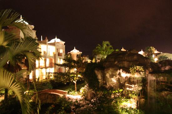 Promisedland Resort & Lagoon: 夜晚