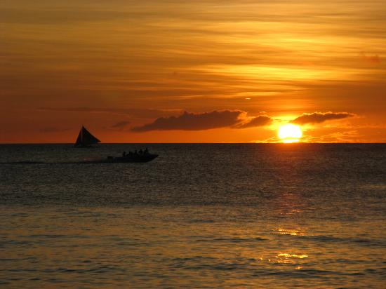 Boracay, Philippines: 长滩最美丽的咸蛋黄