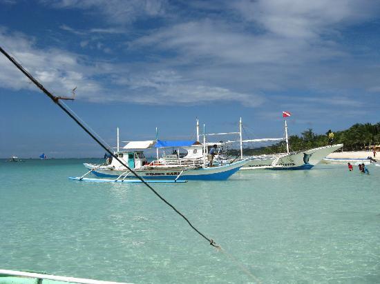 Boracay, Philippines: 美丽的大海~~~我们来了