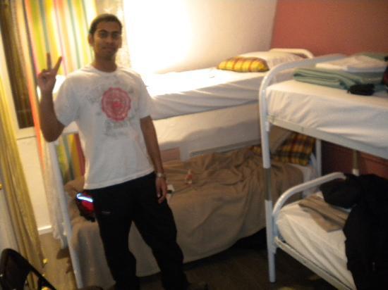 Plug-Inn Hostel: 床铺