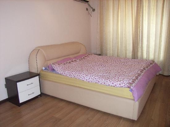 Yiting Hotel Xiamen Jiahu: 名副其实的大床