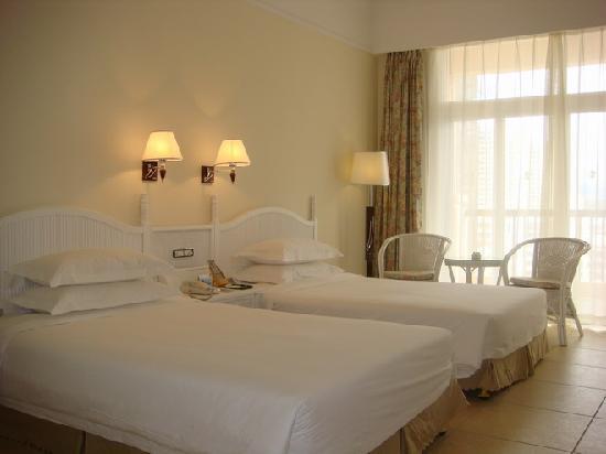 Golden Phoenix Seaview Hotel: 房间