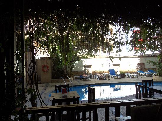 Poppa Palace Hotel Phuket: DSC00891