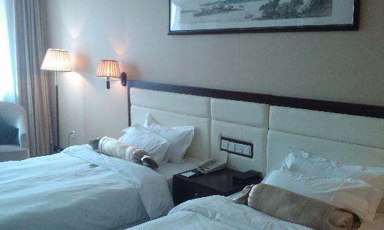 International Hot Spring Hotel: 室内床铺