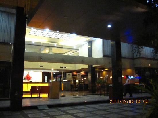 The Orchard Cebu Hotel & Suites: IMG_0977