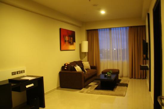 Aston Denpasar Hotel and Convention Center: 房间内客厅