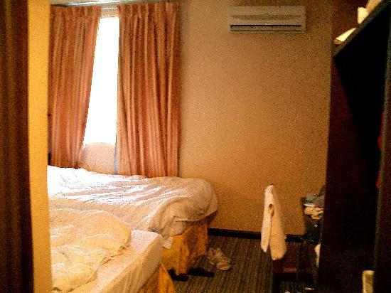1 City Hotel: 房间不大