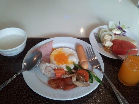 โรงแรมฟอรั่ม พาร์ค: 自助早餐