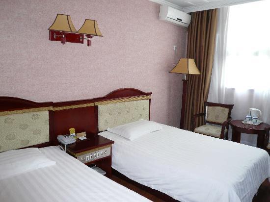 Royal Garden Hotel: P1000949(4)[1]