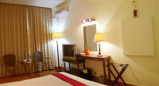 Xinhaigang Hotel : 标准间