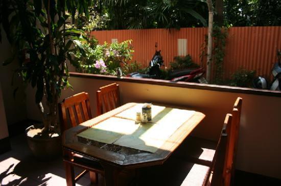 Rux-Thai Guest House: 旅社的餐厅