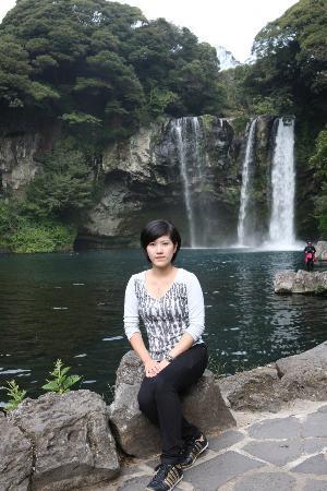 Cheonjeyeon Falls: 天地渊瀑布