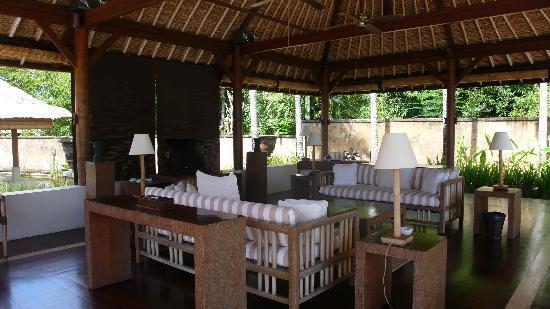 The Villas At Bali Golf And Country Club: 带hifi的客厅