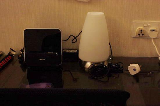 Pop Hotel: 飞利浦的ipod底座闹钟:)