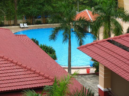 Bach Dang Hoi An Hotel: 酒店-泳池