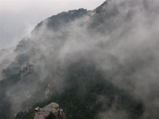 ‪Jinxiu Valley of Lushan Mountain‬