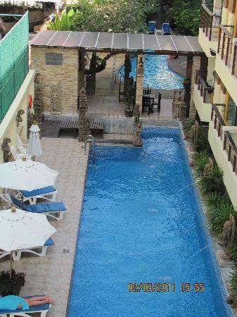 Poppa Palace Hotel Phuket: 泳池