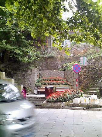 Guling Street: 当时用手机拍的,像素不给力额