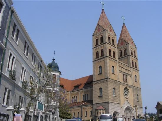 ‪Qingdao Catholic Church‬