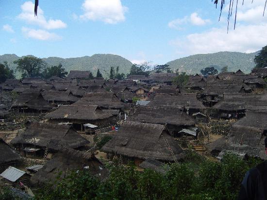 Cangyuan County, Cina: 村子全景