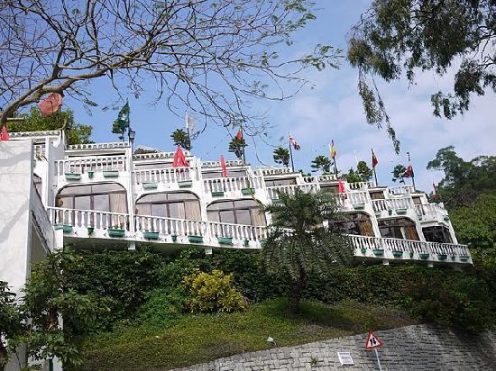Pousada de Coloane Beach Hotel & Restaurant: 酒店仰视