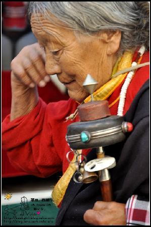 Lhasa, Chiny: 虔诚的藏民