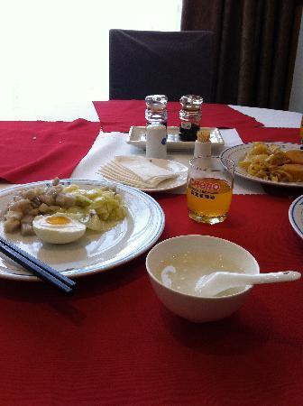 Wuhan Tianhe Airport Hotel: 自助早餐