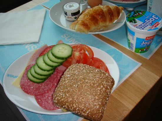 Motel One Munchen-Garching: 自助早餐~