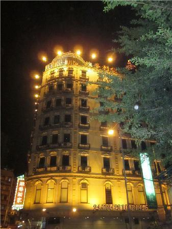 Victoria Hotel: 外面看建筑比较旧一点,但是感觉一样好