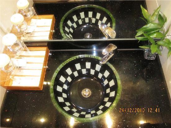 โรงแรมเดอะ วิคตอเรีย: 洗面盆,很有家的感觉