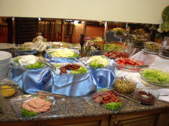 Grand Mir Hotel: 丰盛的自助早餐3