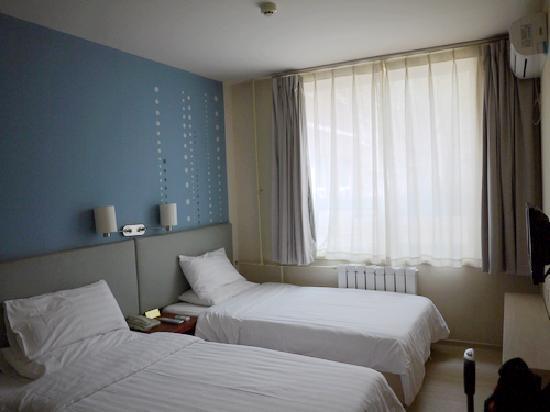 Piao Home Inn Beijing Wangfujing: 标间床