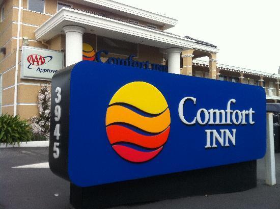 Comfort Inn Palo Alto: 大大的招牌