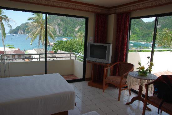 Phi Phi Hotel: 躺床上都有不错的景色