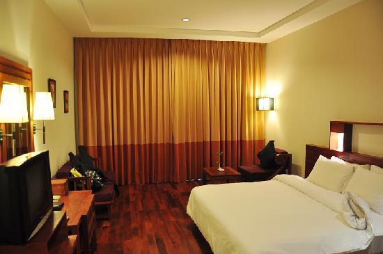 Angkor Miracle Resort & Spa: 豪华大床房