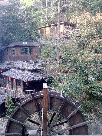 Ninghai County, Китай: 对面就是泡温泉的地方