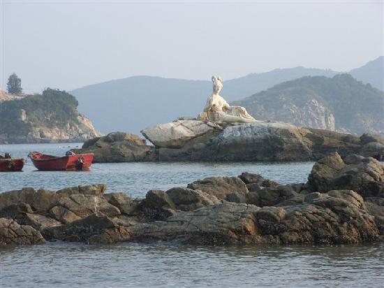 Taishan, China: 黄昏中的海女神像