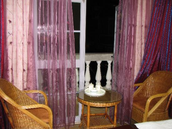 Gua Dai Guo Hotel: 有阳台,星星很美