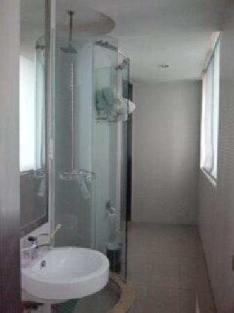 Motel 168 Guangzhou Avenue: 浴室