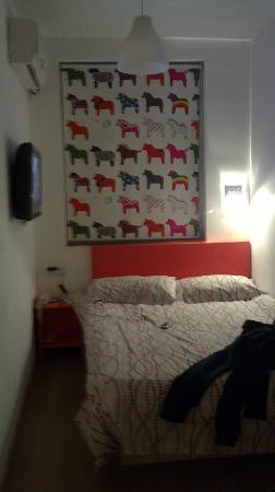 Pod Inn (Shanghai Xujiahui): 狭小的房间