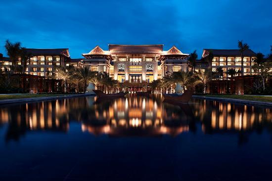 Renaissance Sanya Resort & Spa: Night View